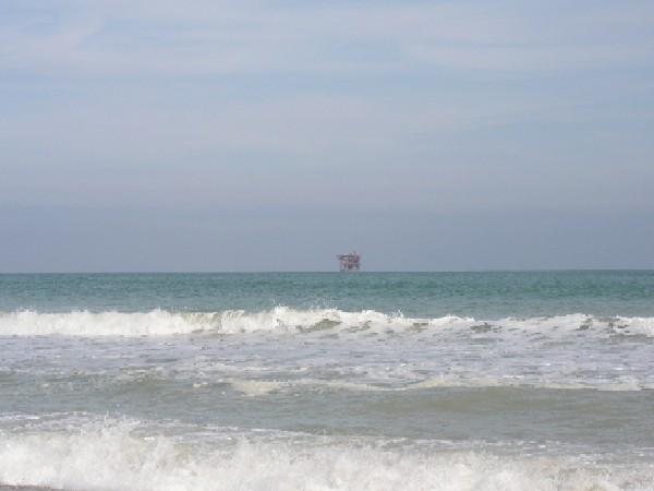 Il mare di porto sant 39 elpidio e in lontananza una - Ristorante il giardino porto sant elpidio ...