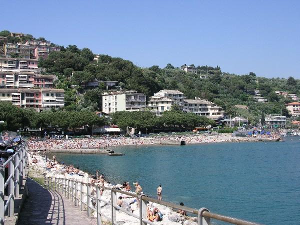 Le Spiagge E La Collina Dal Lungomare Di Portovenere